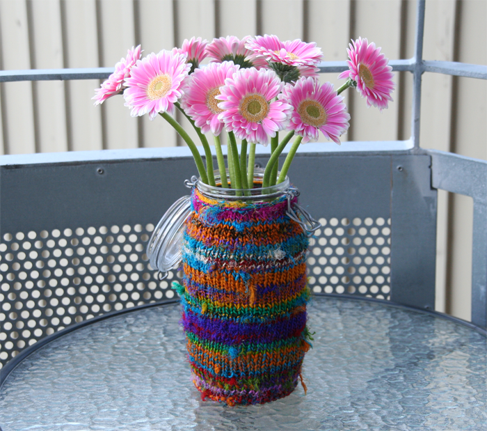Blomstervase heklet i Re-sarisilkegarn